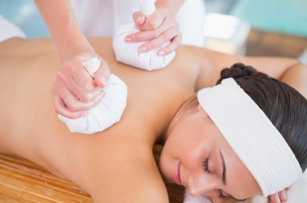 Bohinj massage with herbal pouches